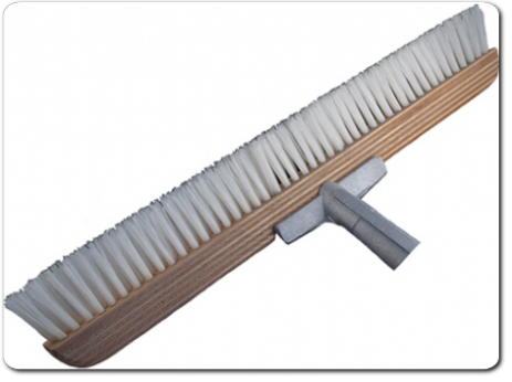 Carpet Broom for grooming carpets from CEBE Reinigungschemie GmbH